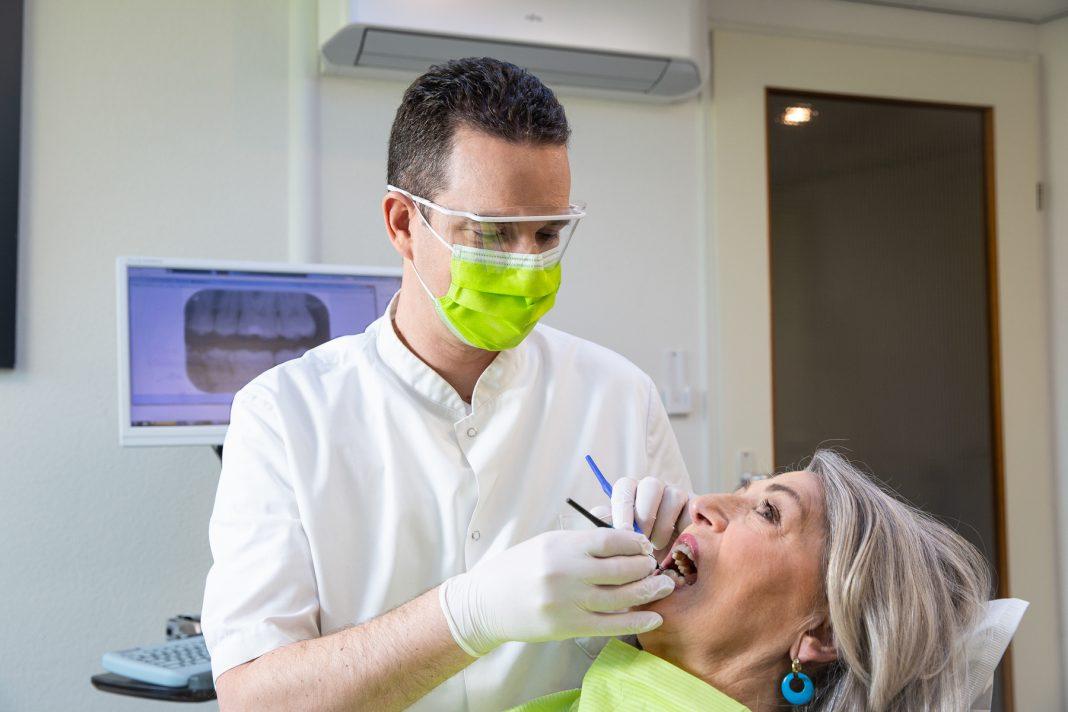mondhygienist gebit schoonmaken